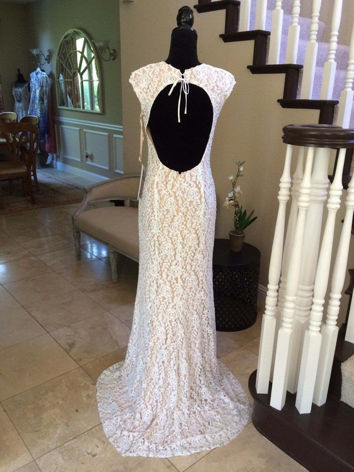 750 NWT LACE JOVANI PROM PAGEANT FORMAL WEDDING DRESS GOWN SIZE 4