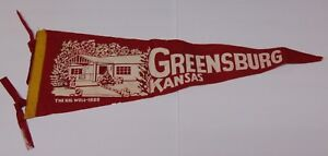 LARGE-27-034-Old-Vintage-1950s-GREENSBURG-KANSAS-KS-THE-BIG-WELL-1888-FELT-PENNANT