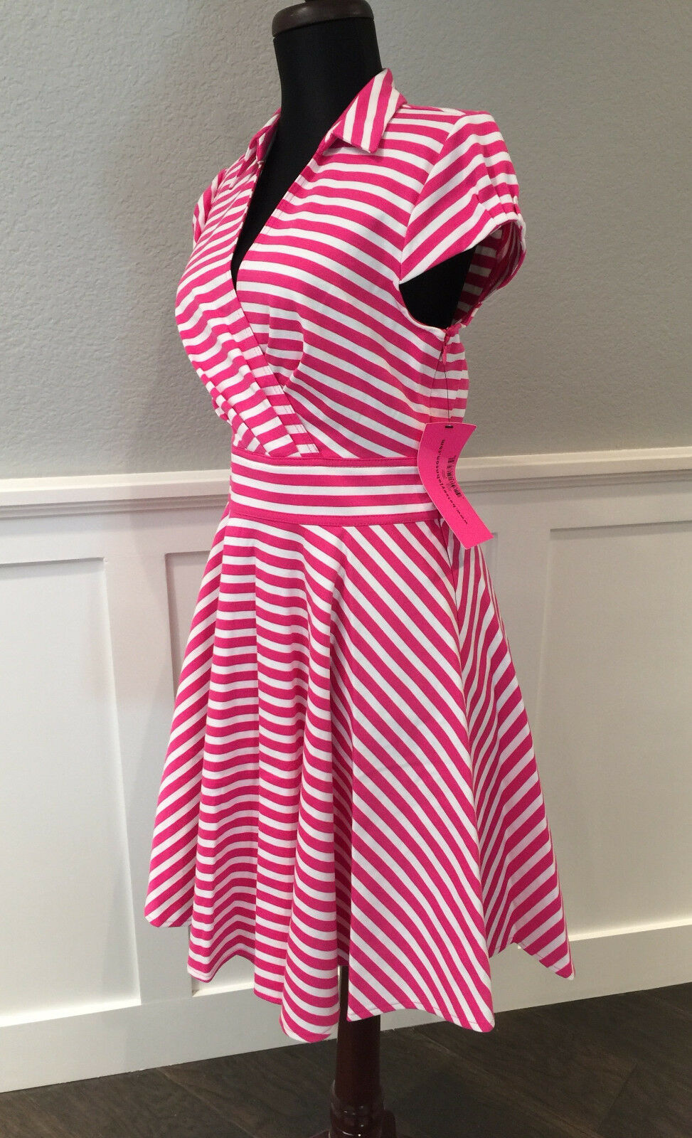 NWT Betsey Johnson Hot Rosa Weiß Stripes Party Flare Summer Work dress 8