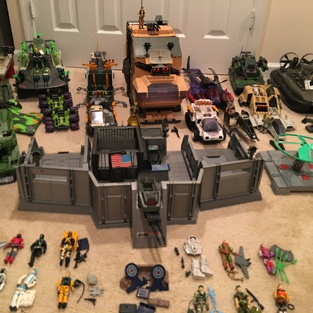 HUGE  vintage GI JOE (Read Before Paying)  connotazione di lusso low-key