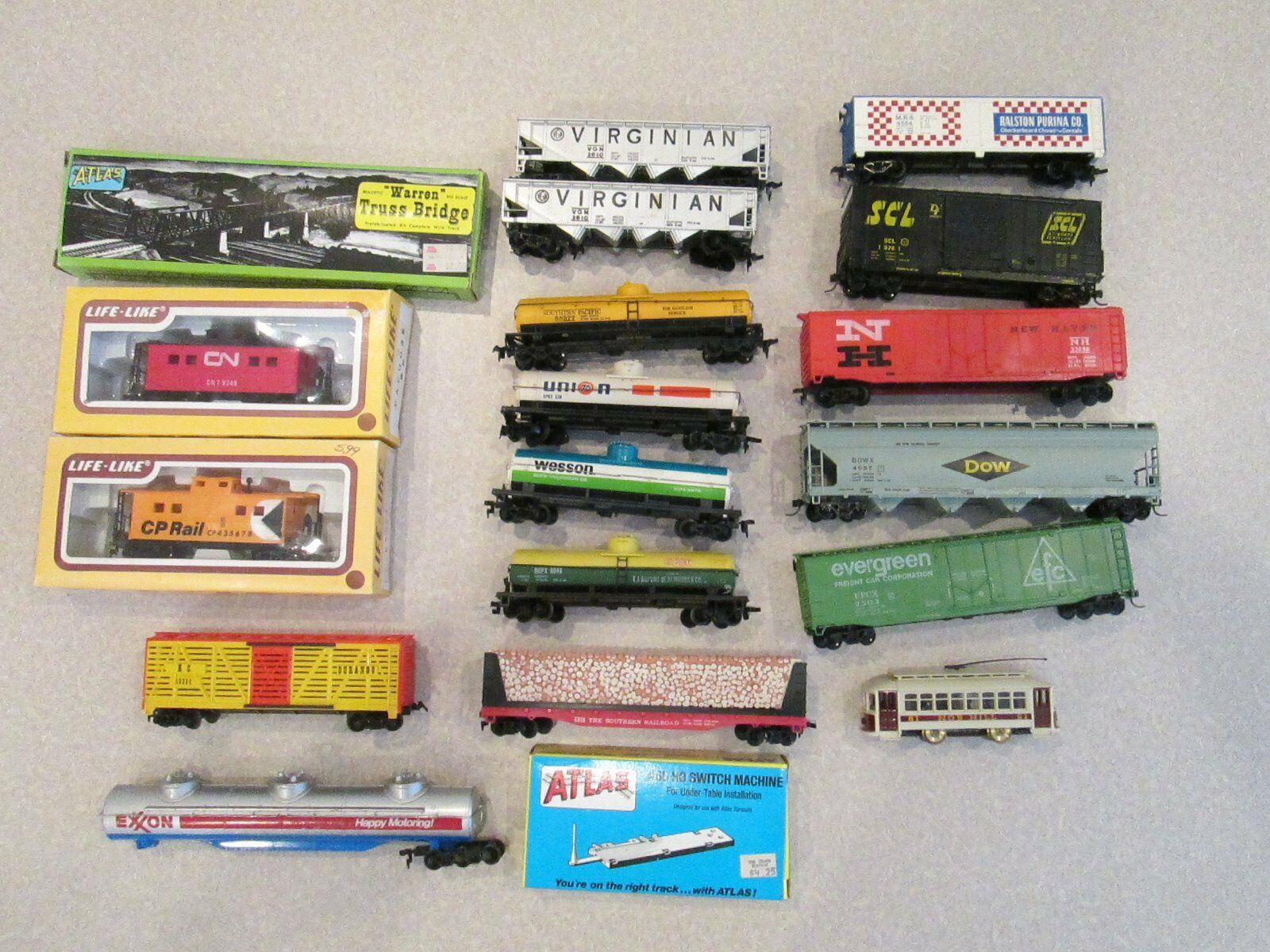 HO scale train autos e more