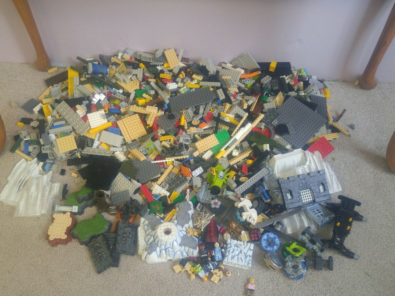 Large Lot Mixed Lego mega Blocks Dragons Sets Beyblades