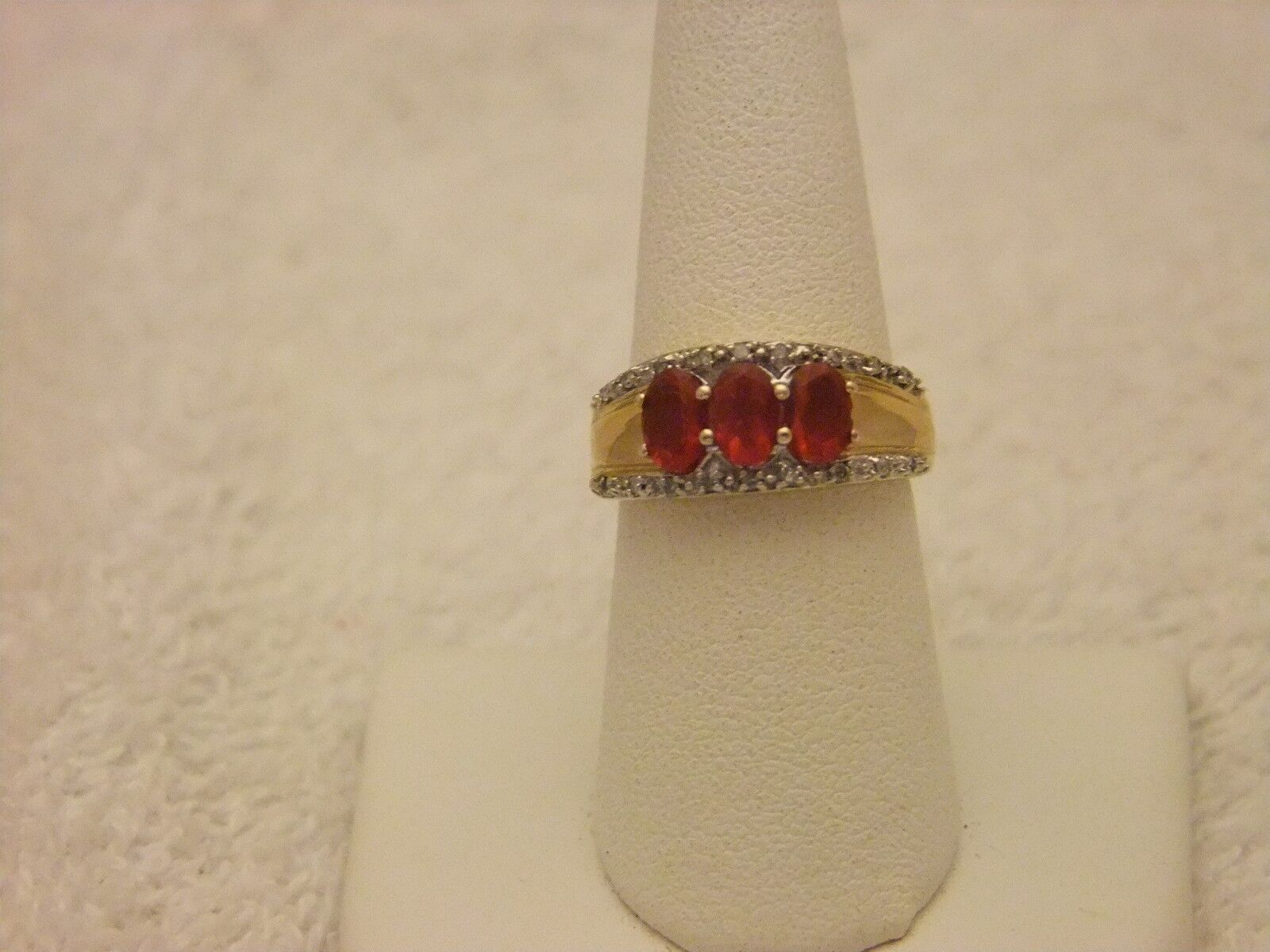 14  KT  YG  FIRE OPAL RING   DIAMOND ACCENTS