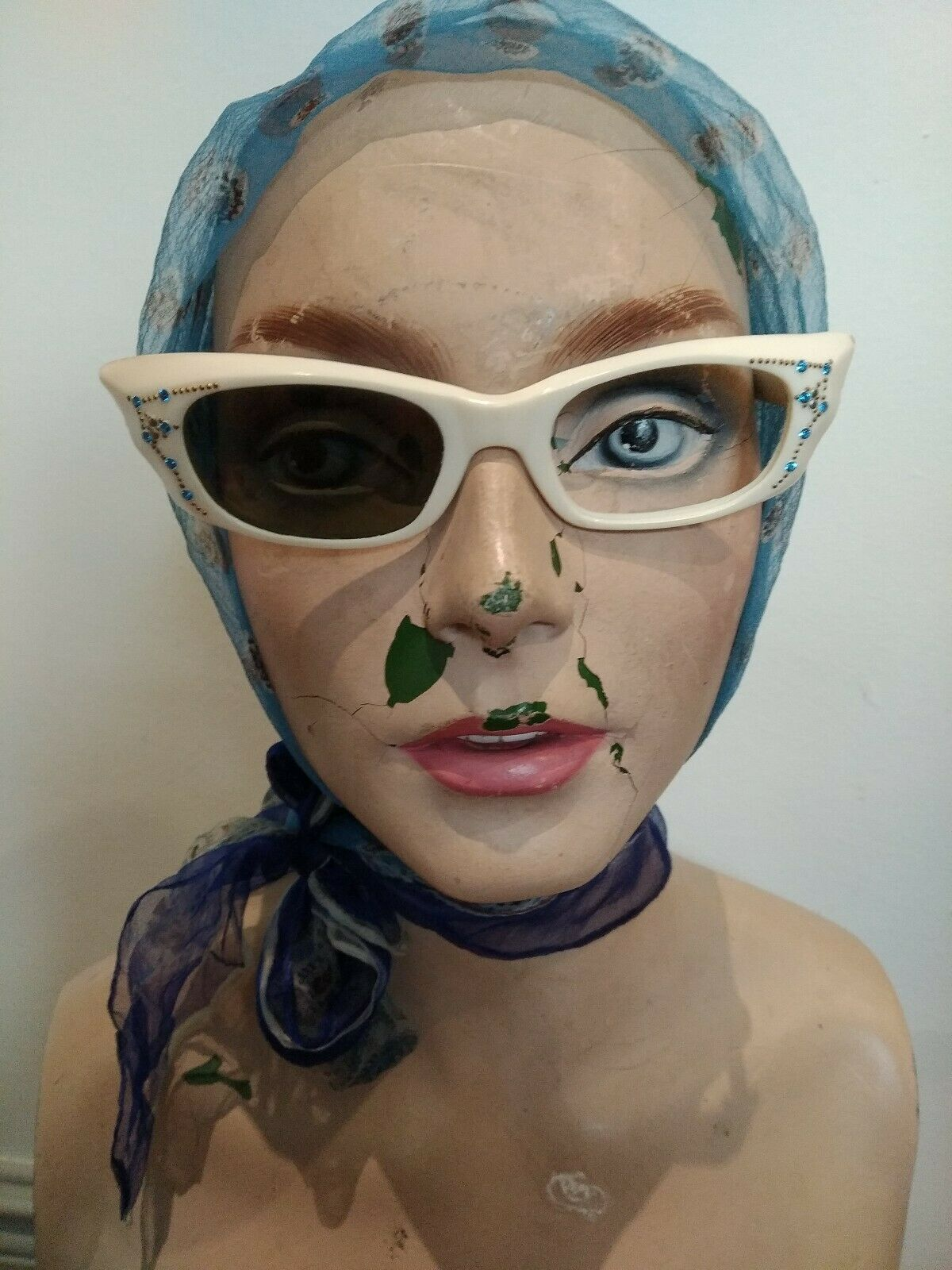 50s vintage sunglasses woman white blue dimante trim cat eye Goodwood Twinwood