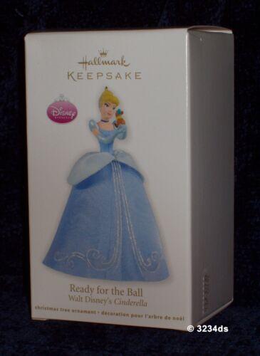 NEW 2012 Hallmark READY For The BALL Disney/'s CINDERELLA Blue Gown Ornament