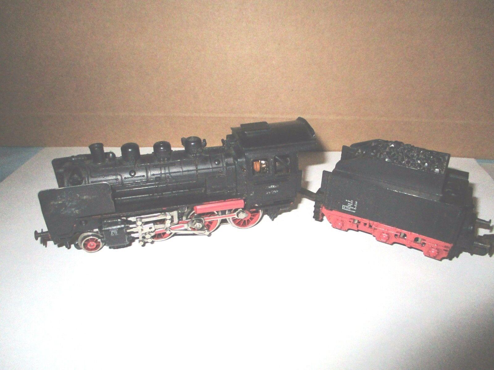 Locomotiva 3003/24058 con tender Spur HO
