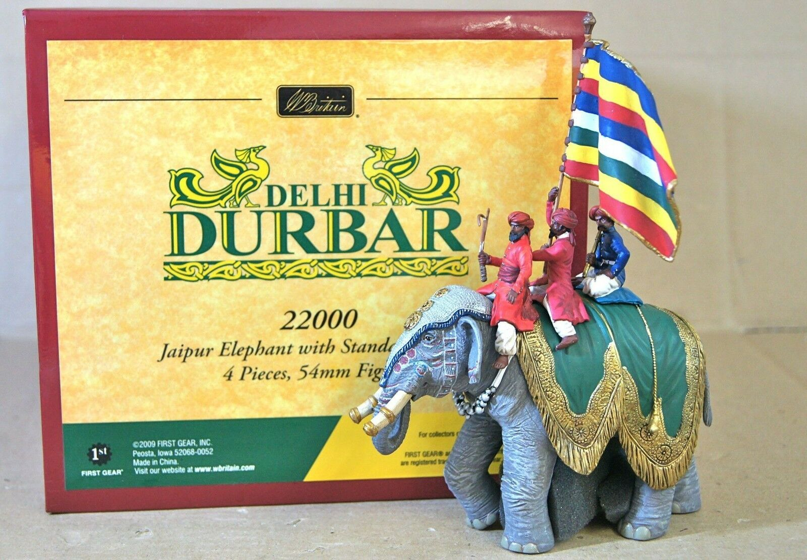 BRITAINS 22000 DELHI DURBAR JAIPURE ELEPHANT with STANDARD BEARER MINT BOXED nj