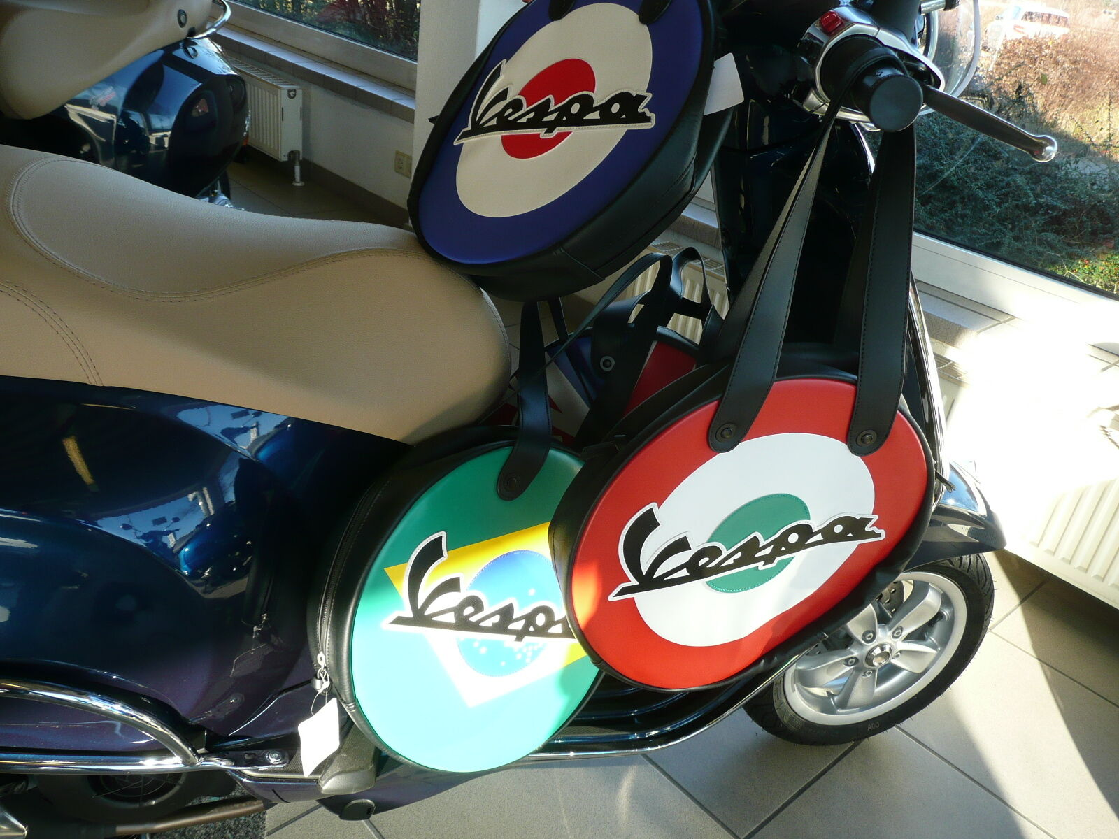Original VESPA VESPA VESPA Tunneltaschen in Länder-Designs  Italien, Frankreich, Brasilien.. 0ca7ef