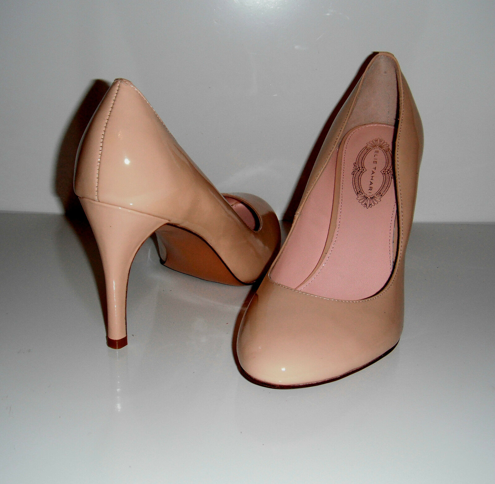 230 NIB Elie Tahari Viviana Seashell Patent Leather Dress Pump shoes sz 9US 40