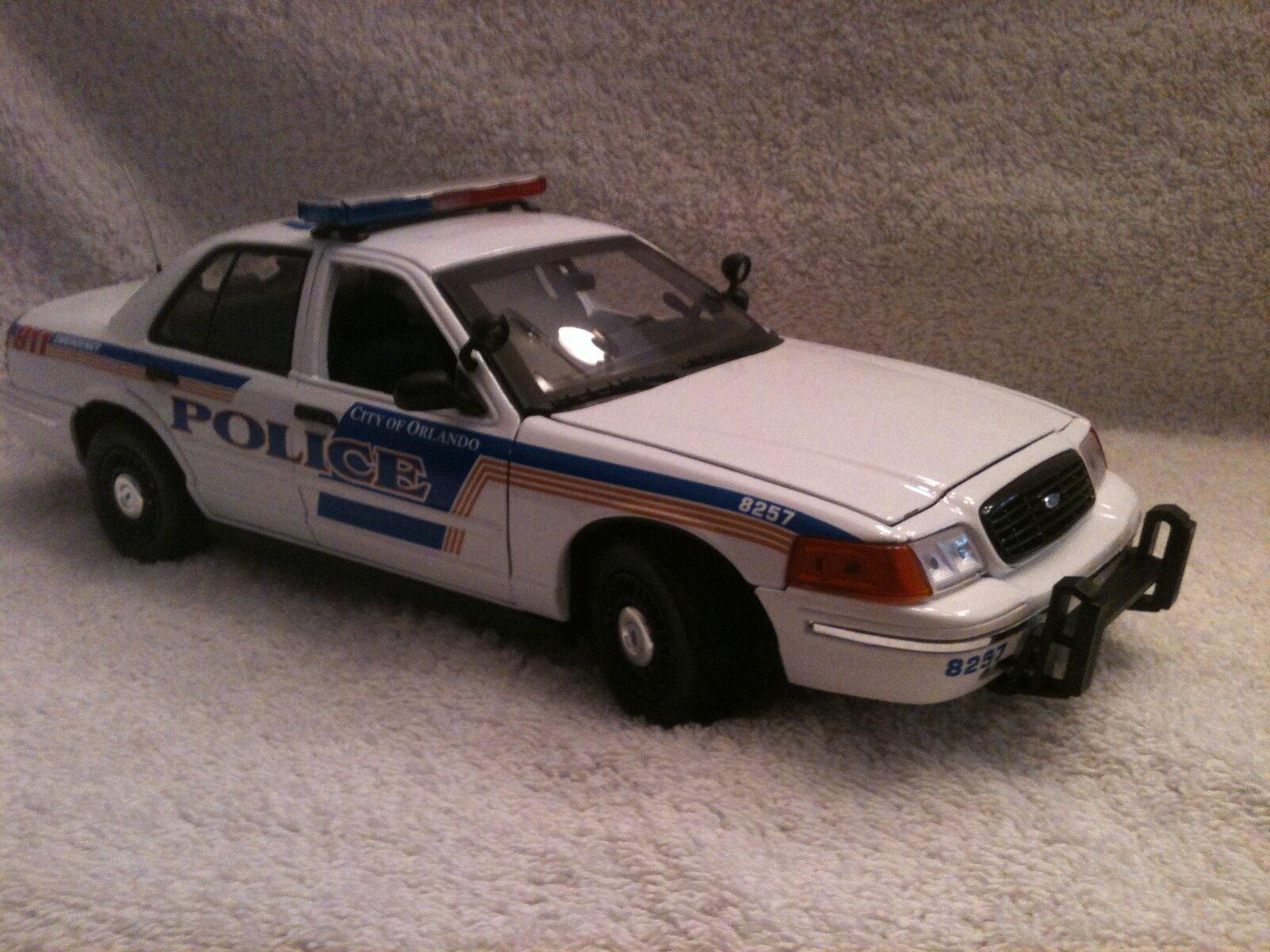 ORLANDO FLORIDA  POLICE UT 1/18 SCALE MOTORMAX DIECAST WITH WORKING LIGHTS/SIREN