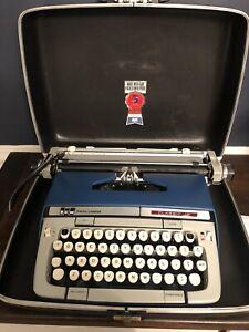 Vintage Smith-Corona Classic 12 Typewriter