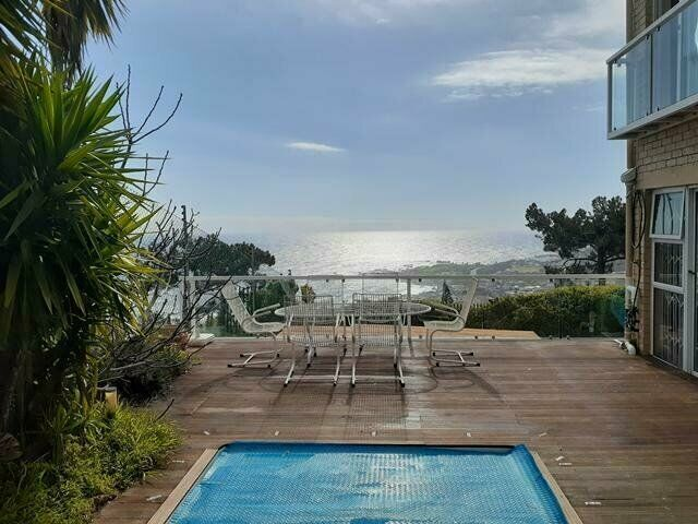 UNOBSTRUCTED BEACH VIEWS. EASY LOCK UP AND GO