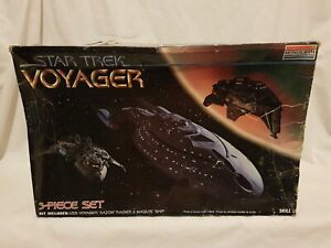 Star-Trek-Voyager-Model-Kit-Voyager-Kazon-Raider-Maquis-Ships-Monogram-1996