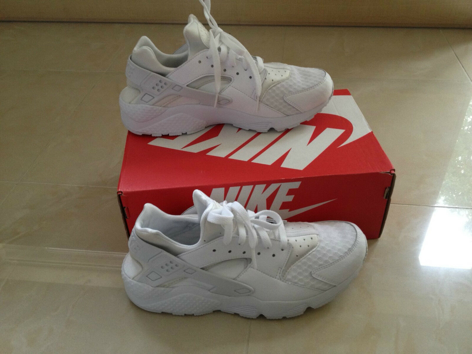 NIKE AIR HUARACHE TRIPLE Weiß PURE LIMITED PLATINUM ALL SIZES 6-13 LIMITED PURE EDITION NEW 638aee