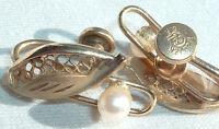 VINTAGE 1950S SIGNED CC 12K GOLD FILLED LEAF W CULTURED PEARL SCREWBACK EARRINGS