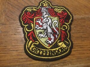 HARRY-POTTER-House-of-Gryffindor-Large-Crest-Logo-New-Embroidered-Iron-On-Patch