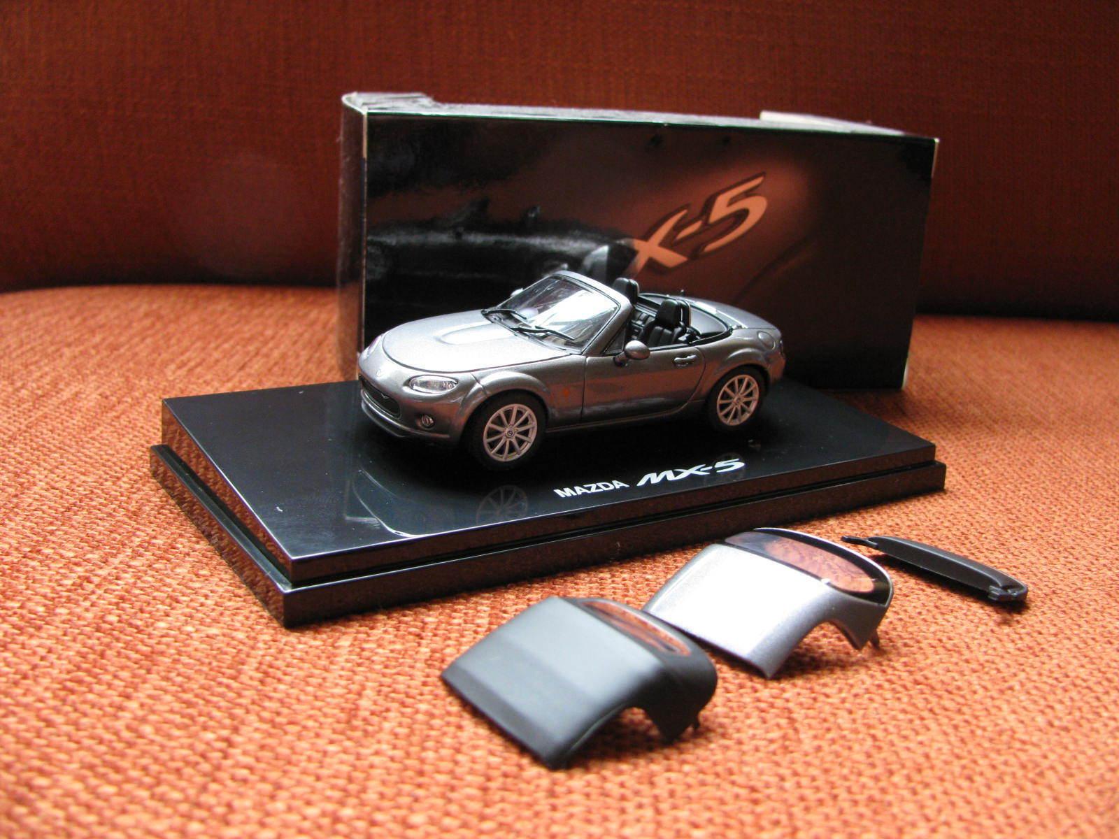 Mazda MX5 1 43 Jinba Iitai spécial avec Soft & Hard Top (RHD) Diecast