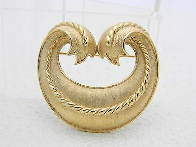 VTG CROWN TRIFARI Gold Tone Textured Style Two Tail Pattern L'Orient Pin Brooch