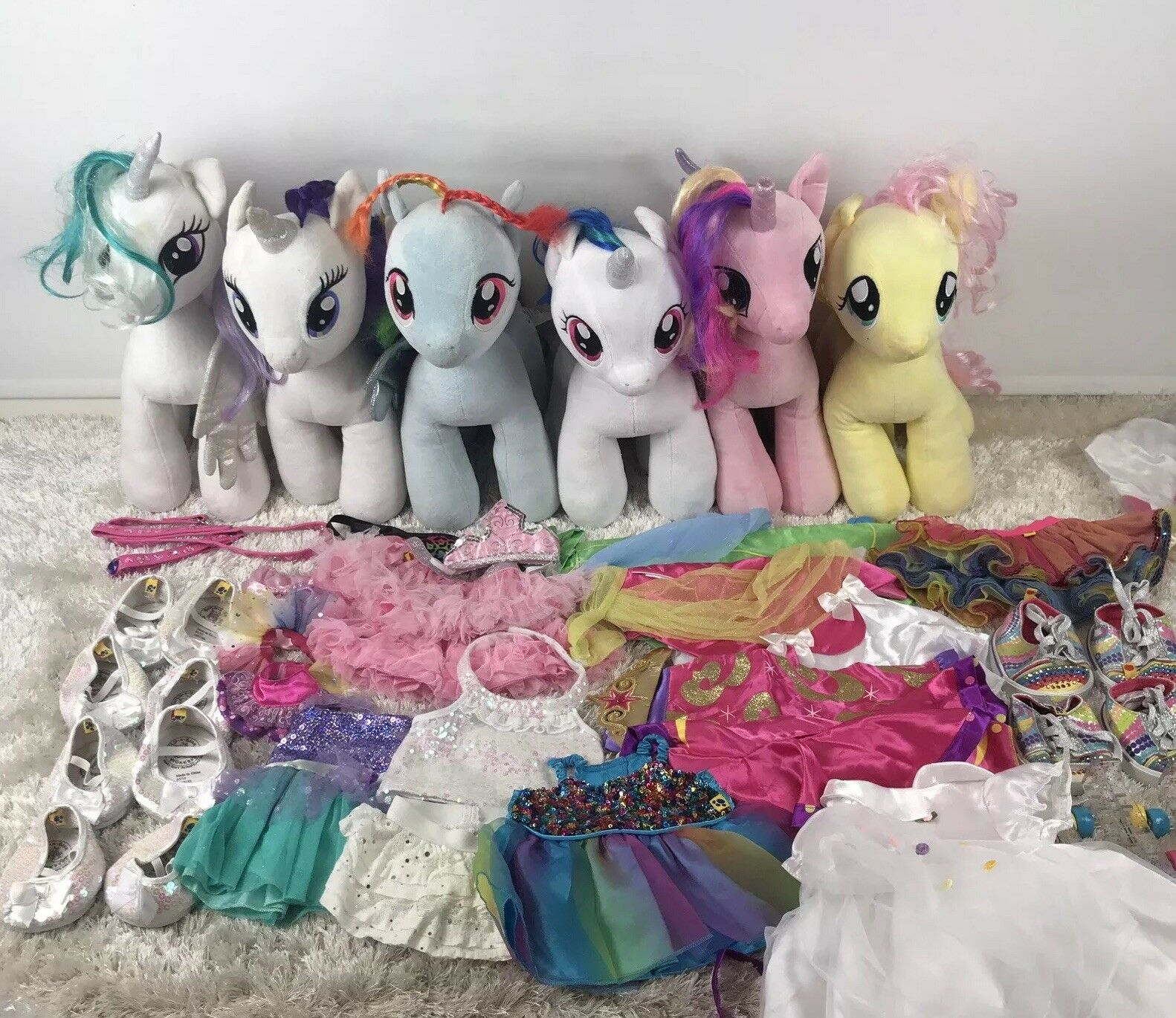 Build a Bear My Little Pony Bundle 6 Pony, Mantelli, vestiti, scarpe, pattini, piombo
