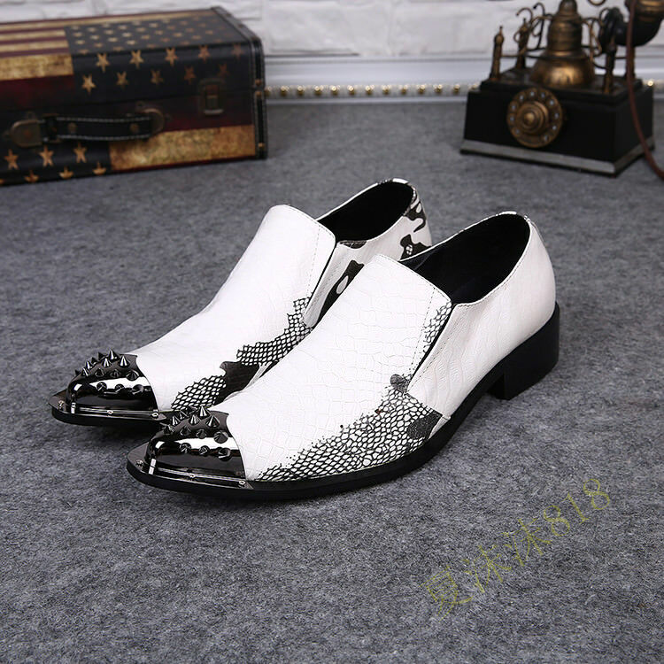 Men Stylish Snakeskin Embossed Leather Spike Metal Pointed Toe Loafers sautope Sautope classeiche da uomo