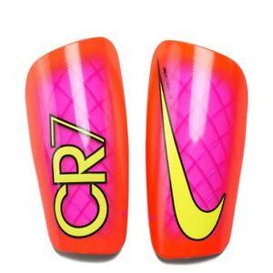 a4cf63e83ec Caricamento dell immagine in corso Nike-MERCURIAL-LITE-RONALDO-CR7-CALCIO -rigida-Shin-