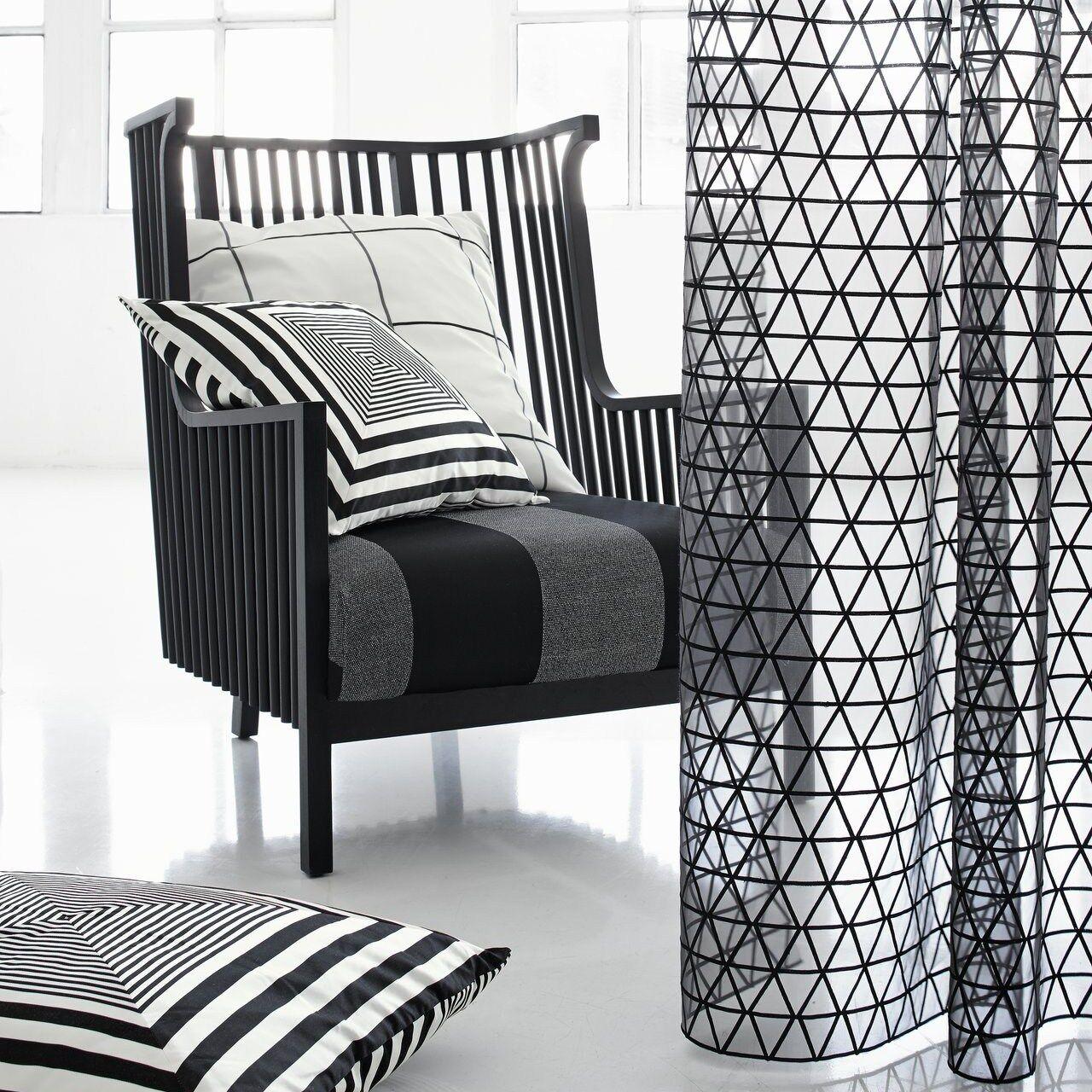 sustancia Design   sue  METERWARE sustancia Fabric tissu voile negro bordado jab