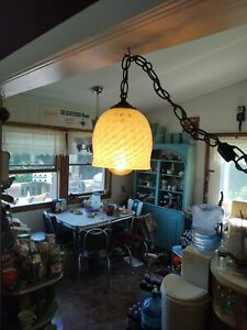 VINTAGE-MID-CENTURY-GLASS-SHADE-HANGING-SWAG-LAMP-HAND-PAINTED-HOLLYWOOD-REGENCY
