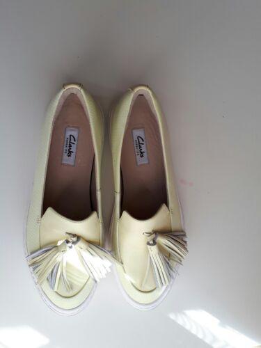 Nuevo de lona Tamaño amarillo 5 Reino pálido Zapatillas Coll 5d Unido cuero de Clarks AwUAfrq4