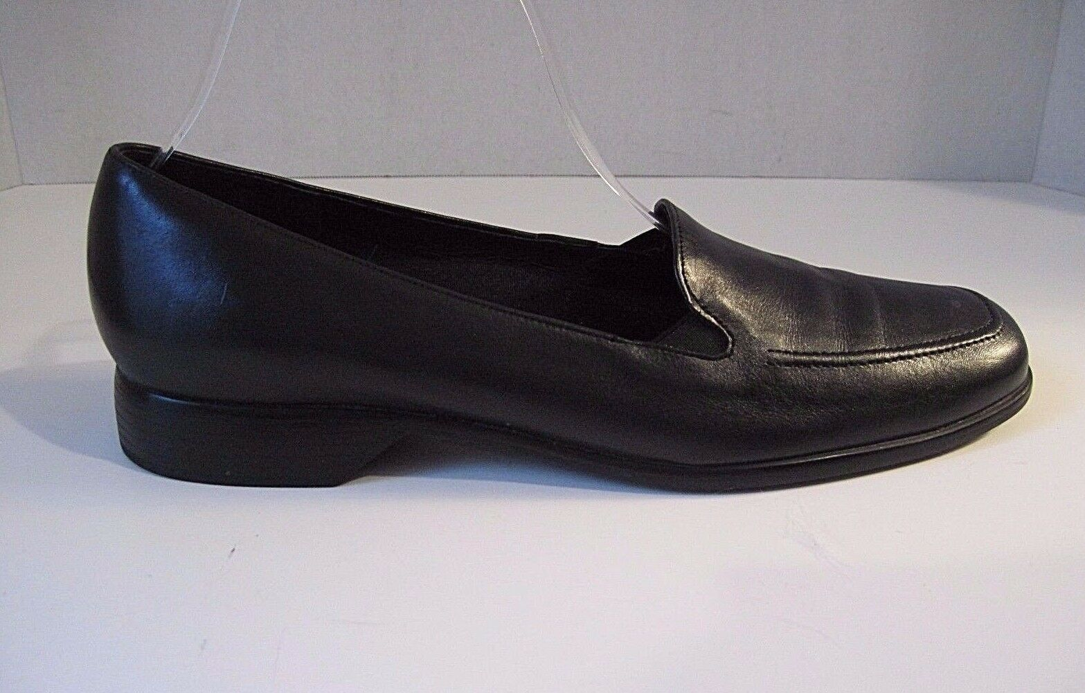 Munro Black Leather Slip On Loafers, shoes Size 9 1 2 SS