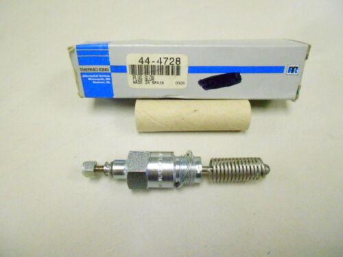 Thermo King Yanmar 44-4728 Plug  Glow 235 353