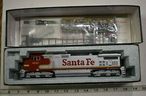 "Lot 6-23 * HO Scale Kato 37-1203, GE C44-9W ""DASH 9"", Santa Fe #600"