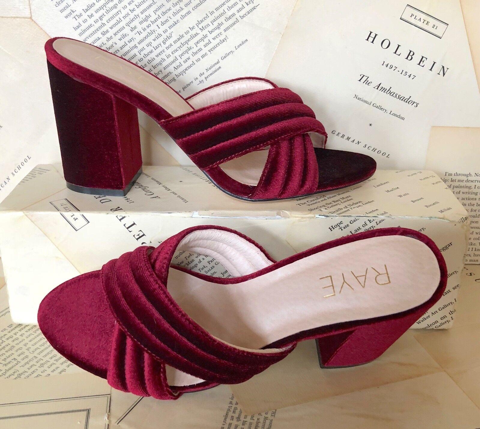 Women's Mukluks Gray White Pink Faux Fur Slippers Size XL - 9 - XL 10 6e72c3