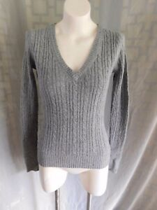 Details about American Eagle Solid Gray Cable Knit V,Neck Long Sleeve  Sweater , Size Medium