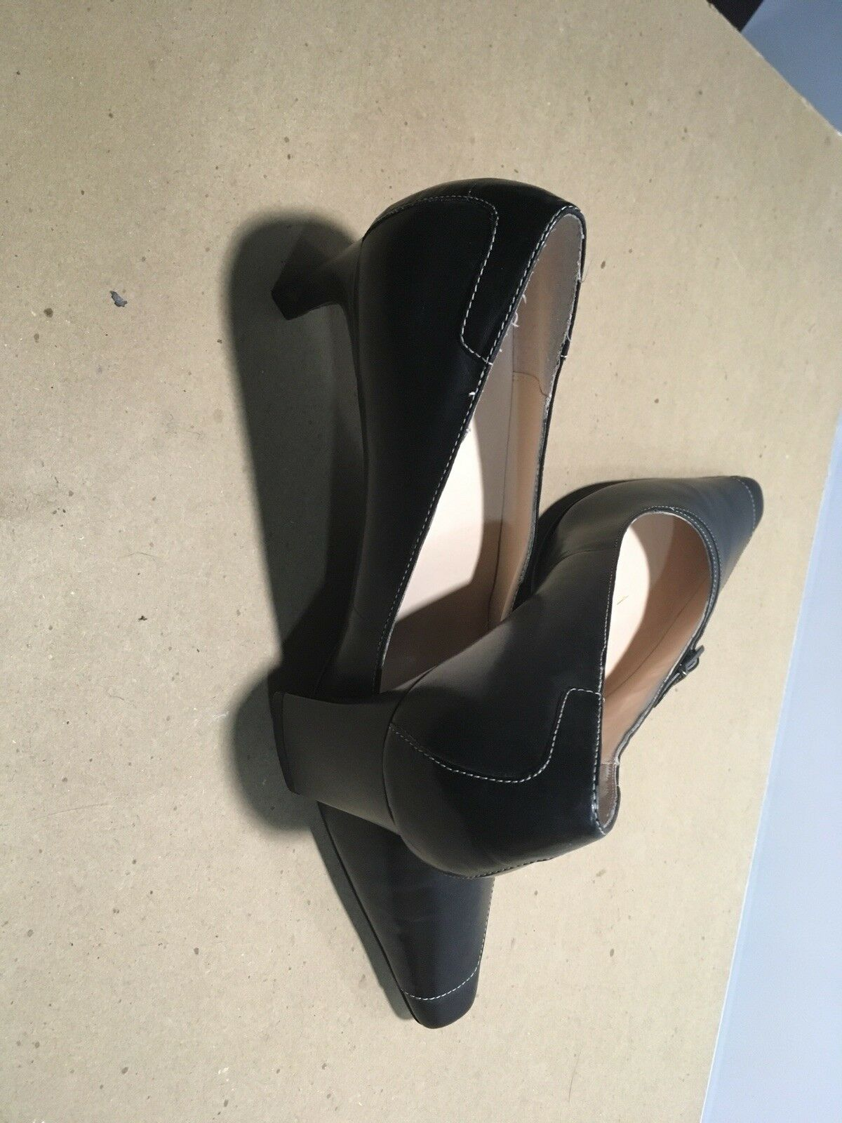 Brand New Lady's Mid Size Heel Pointed Toe