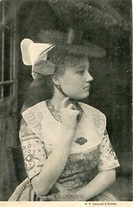 Carte-MACON-Maconnaise-Jolie-jeune-femme