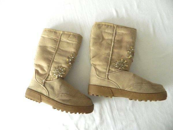 NWOT Womens Size 6 Embellished Jeweled Faux Suede Snow Winter Boots