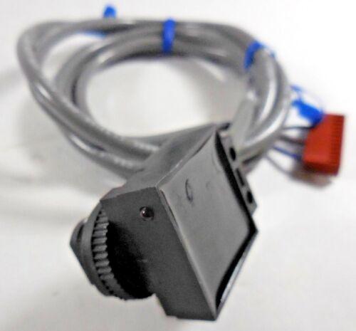 Lot of 2 Banner Engineering SE612LVNC 9334 Photoelectric Sensor