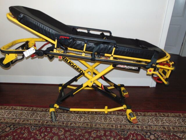 STRYKER STRETCHER MODEL 6082 MX PRO-R3 650 LBS WITH NEW MATTRESS & SEAT BELTS