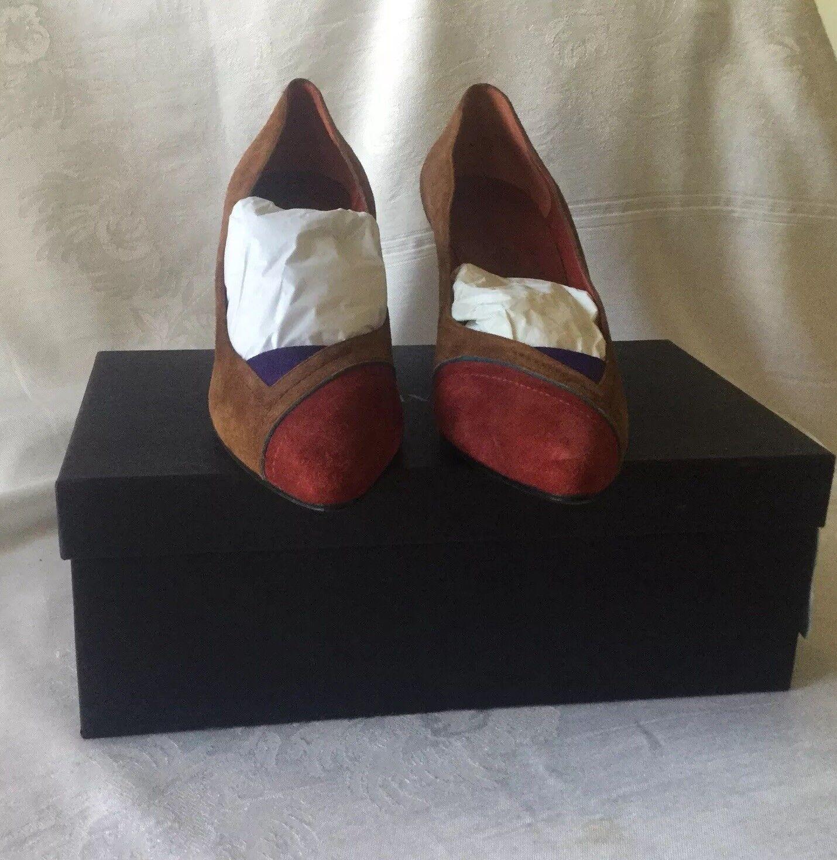 Prada Woman Suede High Heels scarpe, Marronee, rosso High  Heel Pump, SZ 9 Retail 549.  costo effettivo