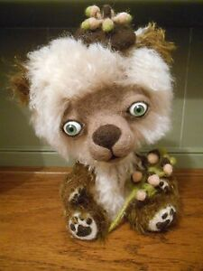 Cheeky-Quirky-OOAK-Teddy-Bear-by-the-Tuscan-Bear-Artist-Mohair-Felted-Sculpted