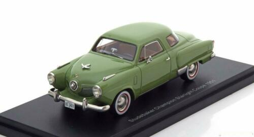 1:43 bos Studebaker Champion Starlight Coupe 1951 lightgreen