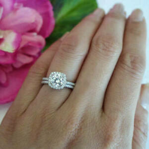 2-Ct-Round-Cut-Diamond-14K-White-Gold-Fn-Halo-Bridal-Set-Engagement-Wedding-Ring