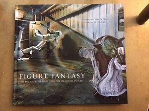 Loot-Crate-Figure-Fantasy-Book-2016