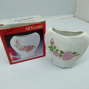 THE NICKEL STORE: VINTAGE 1992 ARTMARK FINE PORCELAIN SMALL VASE (F3)