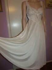 Vintage Olga Bridal Cream Silky Nylon Lace Bust Nightgown Full Sweep M