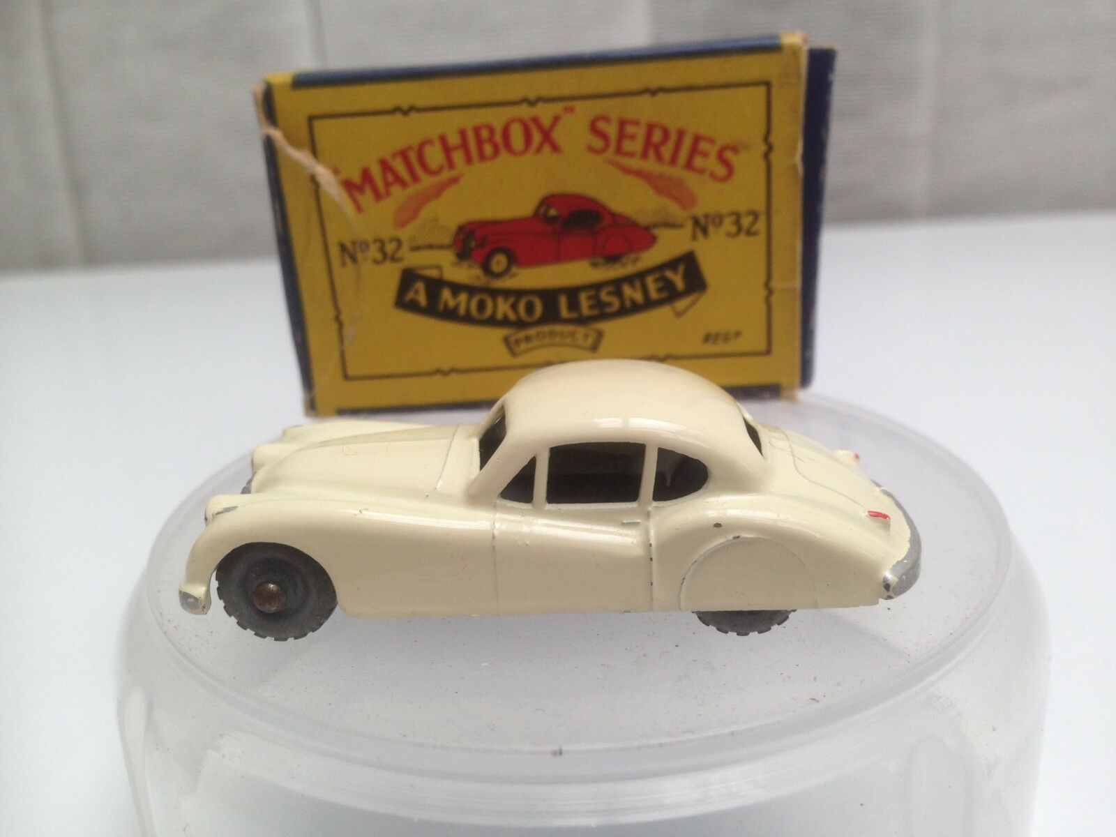 Matchbox Series A Moko Lesney Jaguar XK 140 No 32