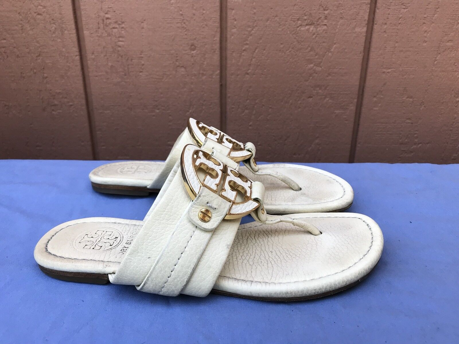 Tory Burch Amanda US 5M Off White Gold Leather T Logo Thong Flip Flop Sandals A4