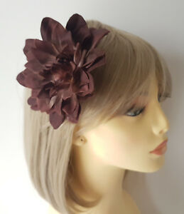 """Gorgeous 5/"""" large BROWN fabric flower hair clip NEW *"""