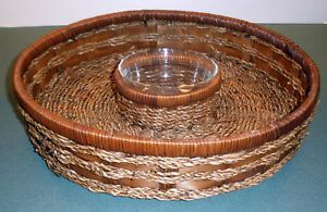 "WOVEN CHIP & DIP SET:  14"" DIAMETER BASKET WITH PYREX GLASS INSERT FOR DIP - VGC"