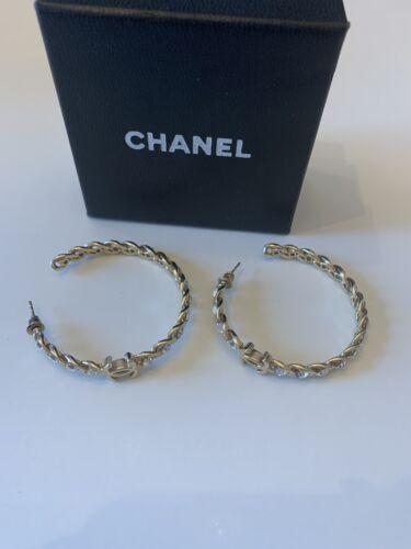 luxury fashion earrings Channel